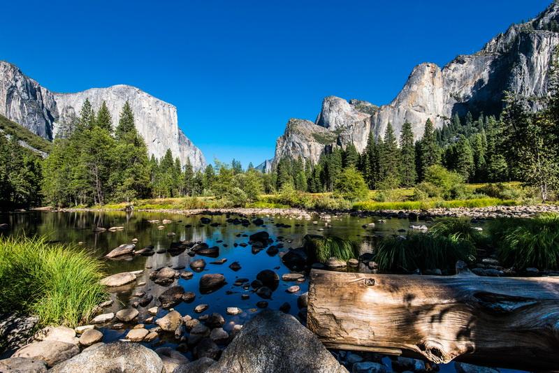 圖說3:優勝美地國家公園擁有全世界最美麗的冰河谷地,美景倒映在湖面上,勾勒出無與倫比的純粹之美。