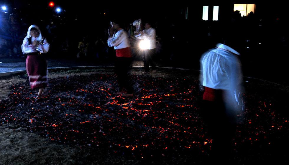 過火節 (Photo by Apokalipto, License: CC BY-SA 4.0, Wikimedia Commons提供)