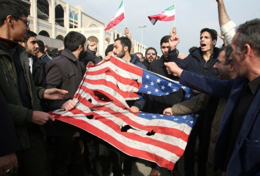 Thousands in Iraq mourn top Iranian general killed by U.S.; rockets fired in Baghdad