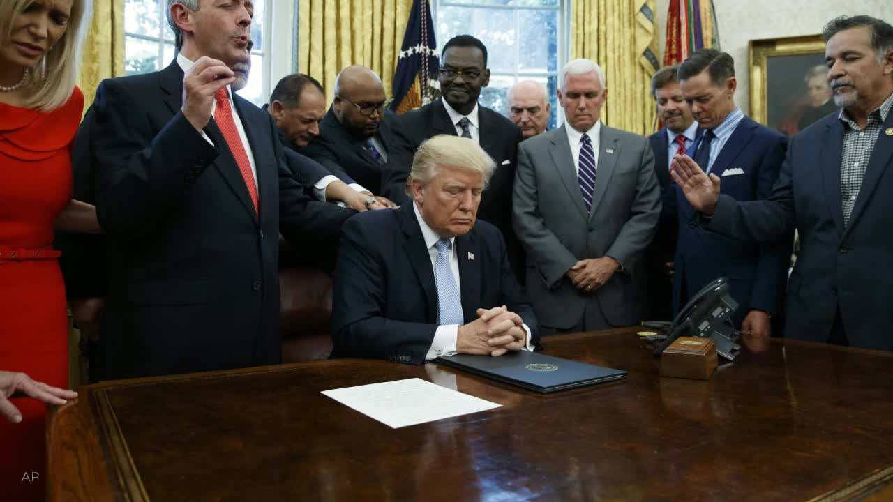 Poll: White evangelicals distinct on abortion, LGBT policy; aligned with Trumps agenda