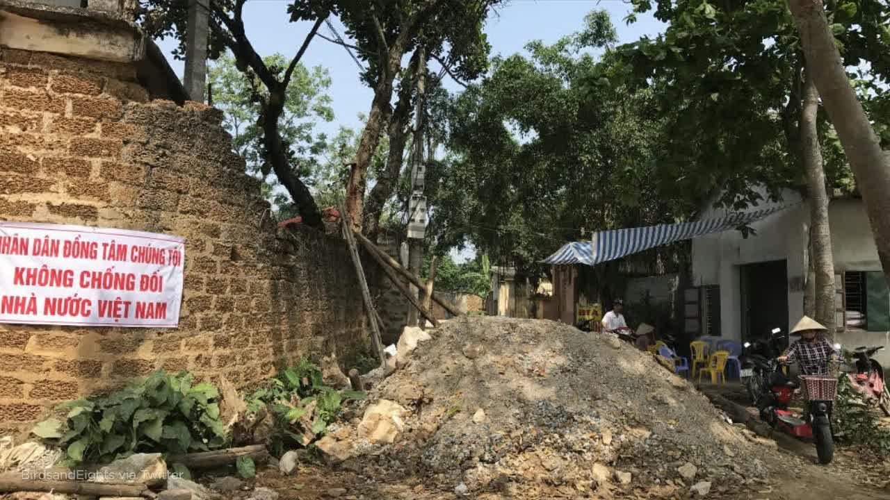 Police, villagers clash over land in Vietnam, leaving 4 dead