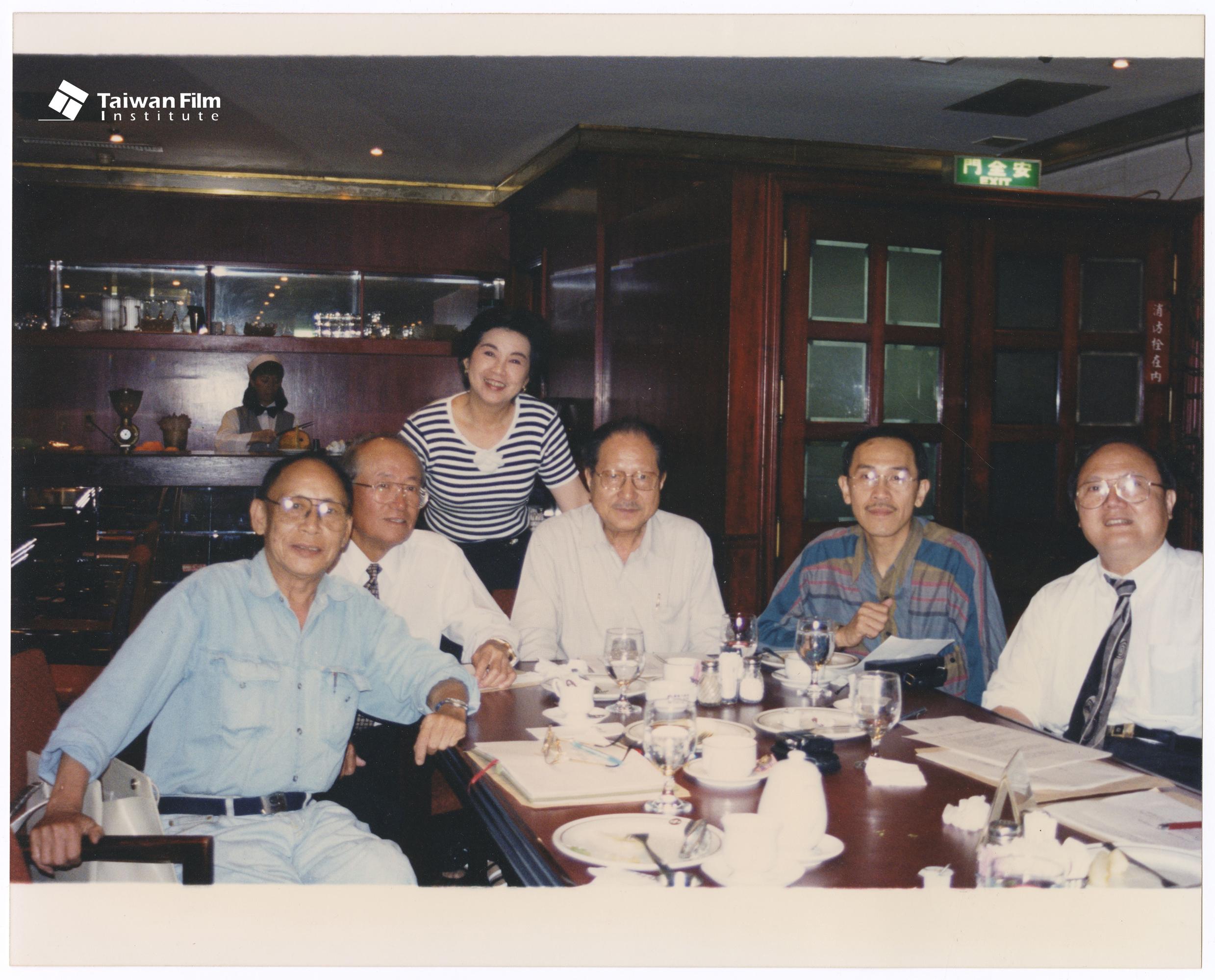 台灣影人協會聚會(左起曾仲影、奇峰、王滿嬌、辛奇、小戽斗、高仁河)