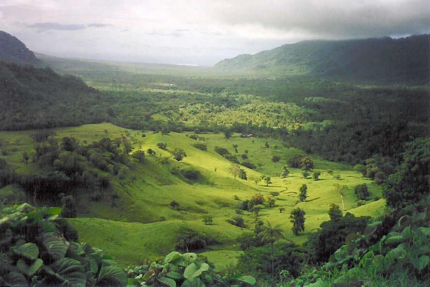 烏波盧島 (Photo by Kronocide, License: CC BY-SA 2,5, Wikimedia Commons提供)