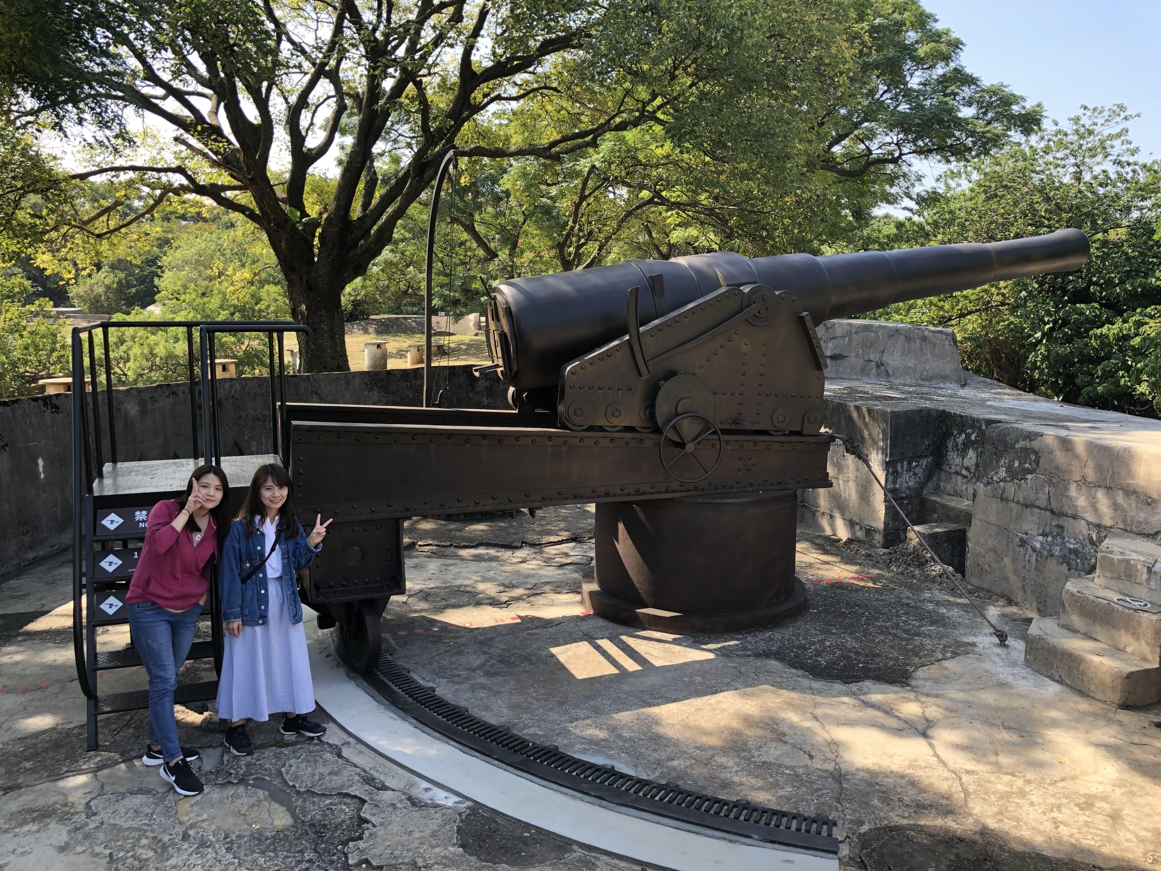 淡古復刻的阿姆斯脫朗8吋砲正式亮相,長達700公分的模型砲氣勢磅礡(圖片來源:新北市立淡水古蹟博物館)