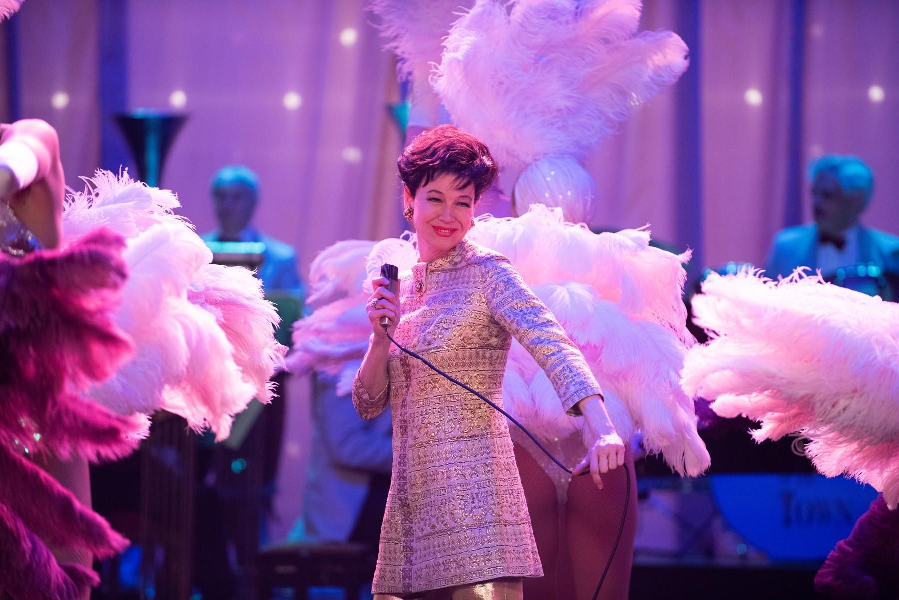 芮妮齊薇格睽違16年後,二度獲得奧斯卡演技獎項肯定