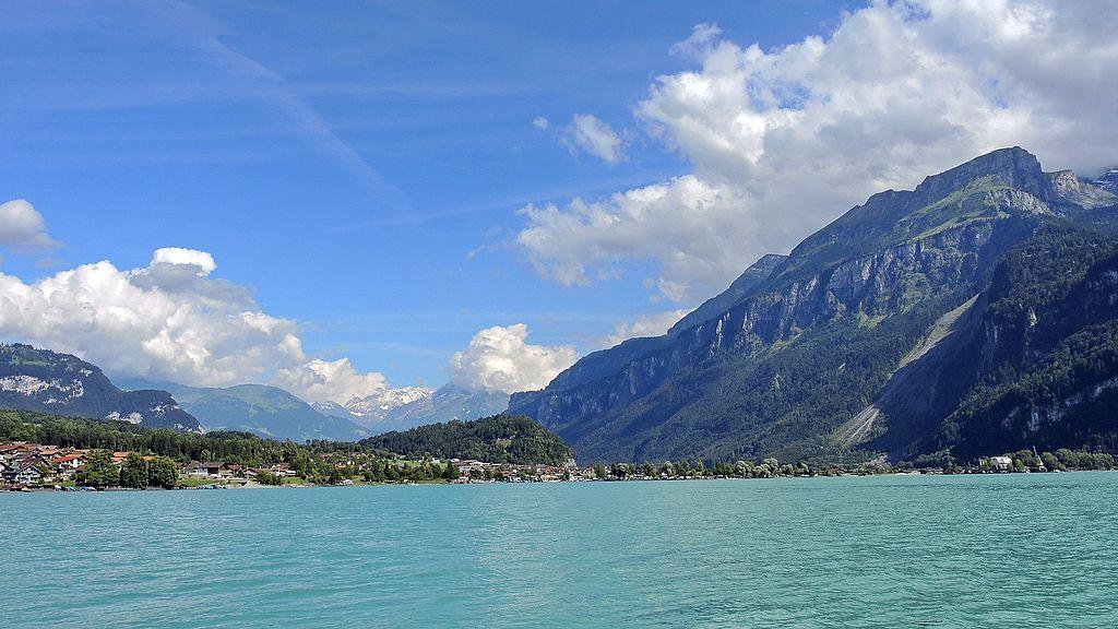 布里恩茨湖 (Photo by Roland zh, License: CC BY-SA 4.0, Wikimedia Commons提供)
