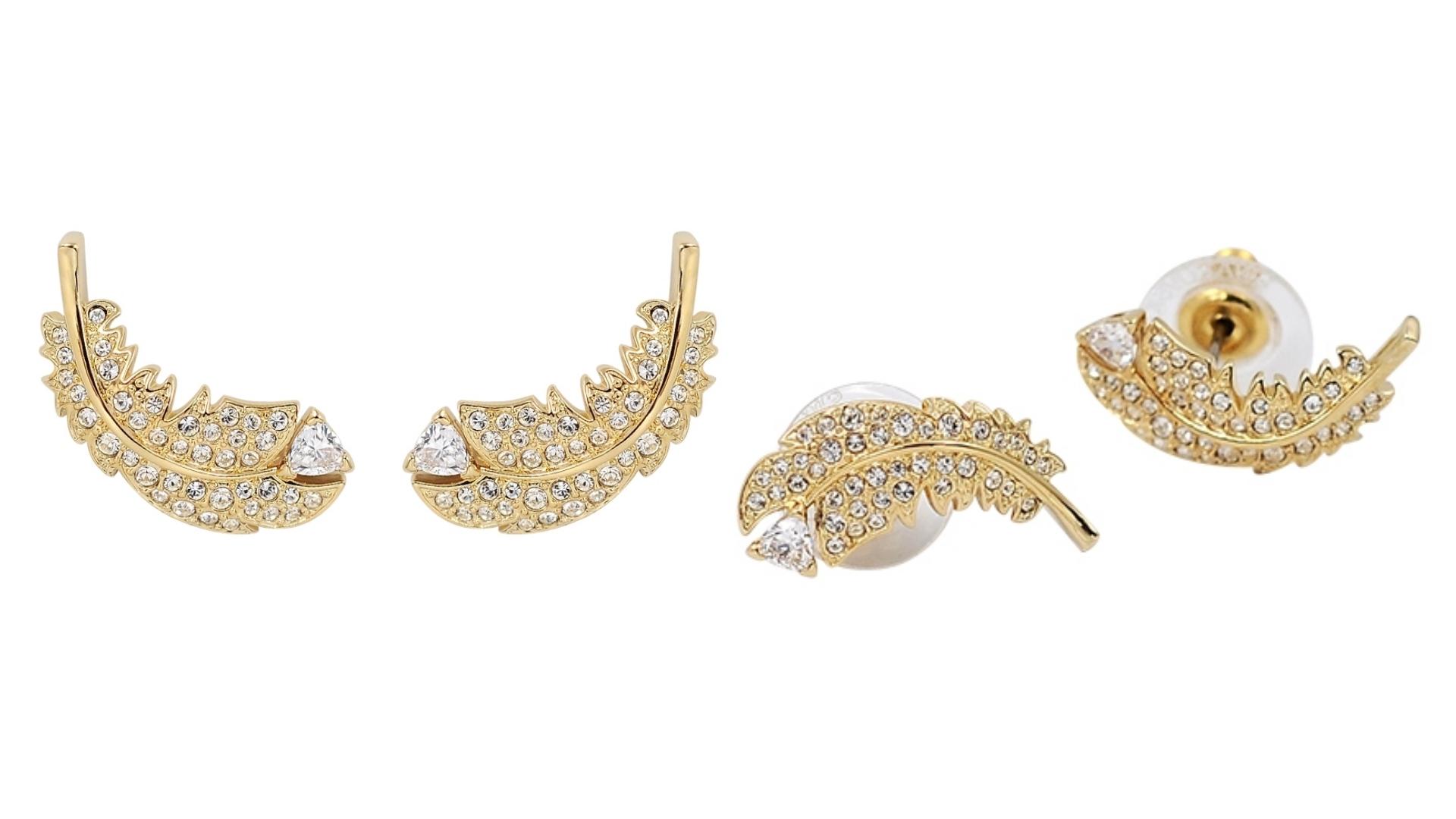 愛的迫降配戴款,使用璀璨水晶點綴裝飾,打造永恆時尚經典。