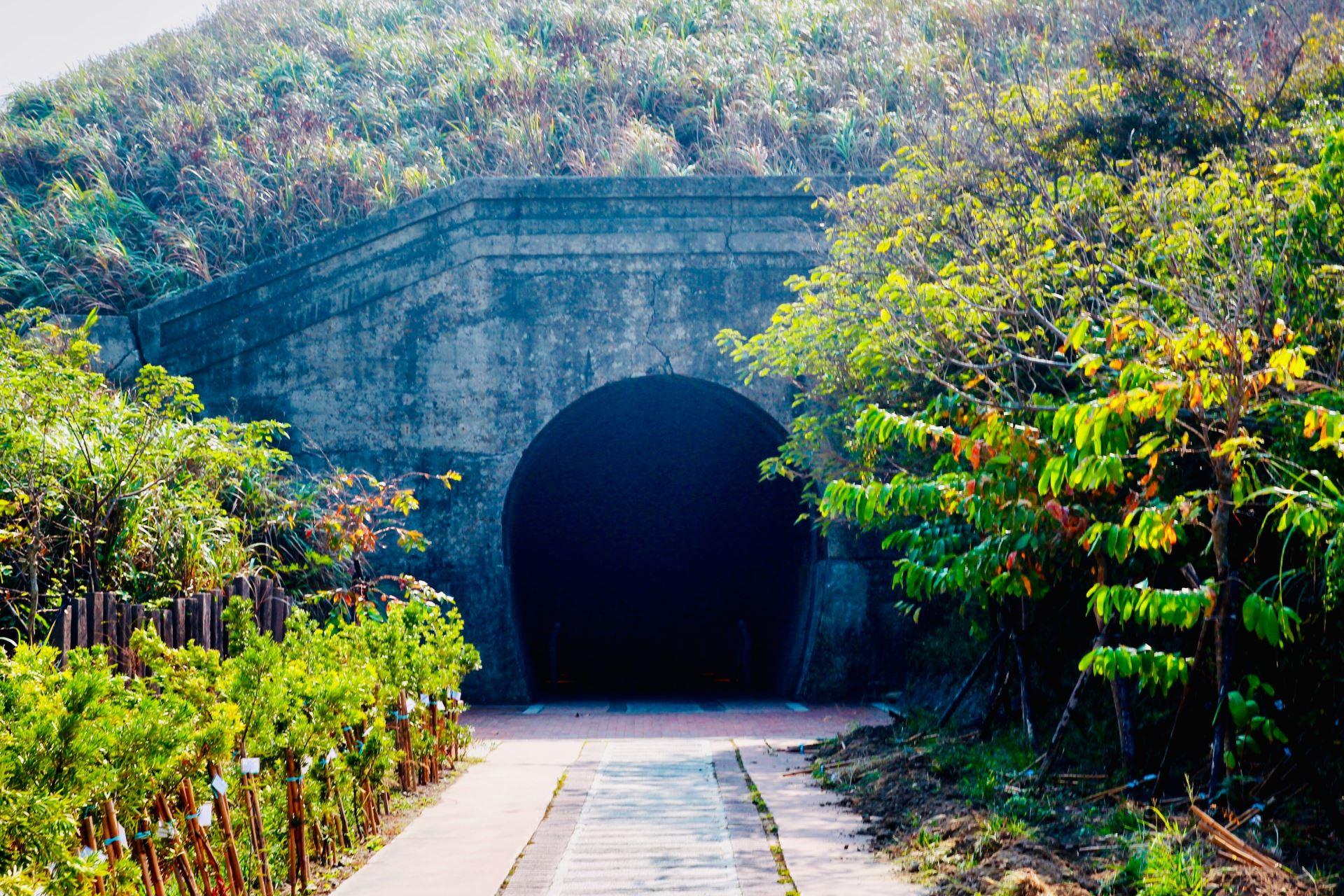 過港鐵路隧道於日治時代大正11年建造完成,是全台海拔最低的隧道景觀。圖/網友投稿-Ann。榜哥。生活事務所