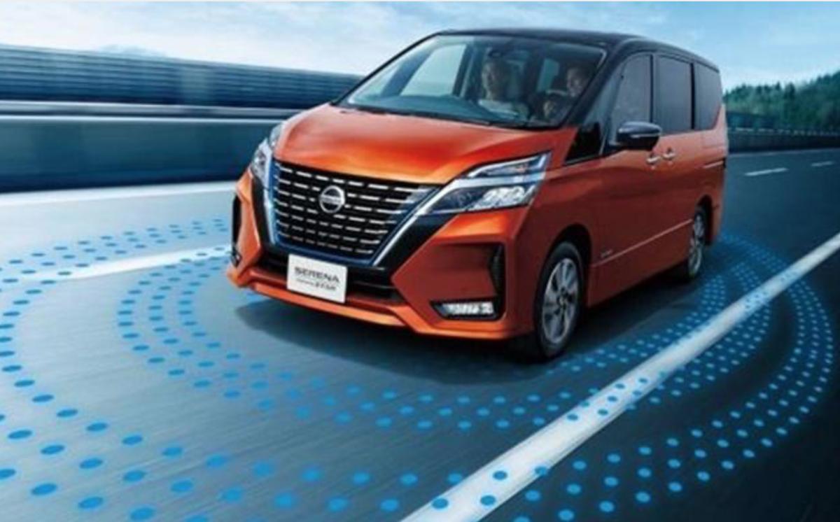 Nissan Serena 堪稱家族最重要的主力,常出現在日本每月銷售榜前 10 名,與 Toyota Voxy 車系競爭激烈。