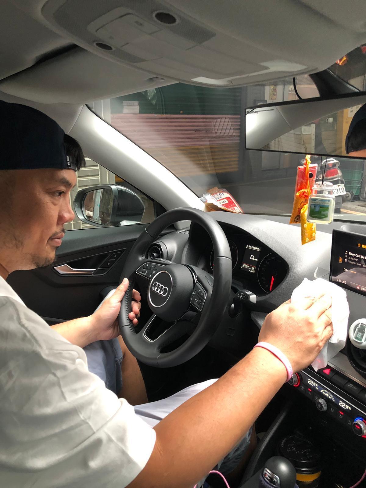 ▲張皓明愛車,車內一定保持清潔,甚至不准家人在車內吃東西。