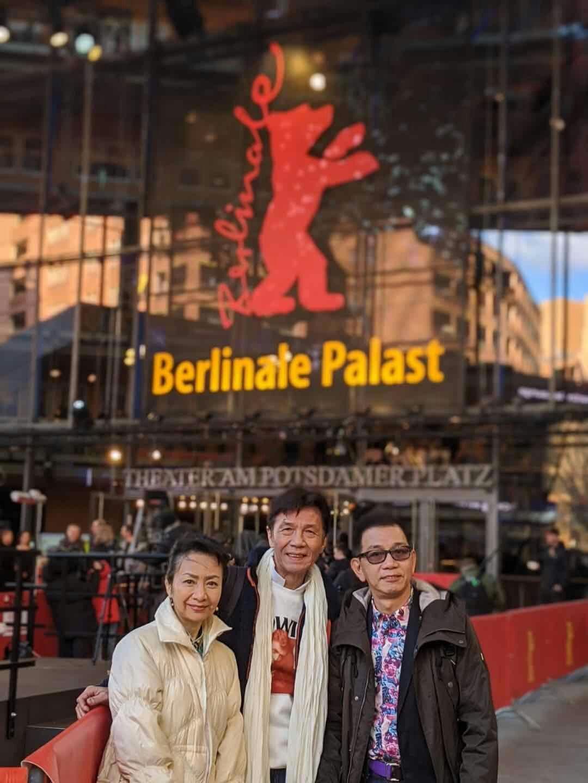 (左起)區嘉雯、太保、袁富華搶先在首映前先參觀柏林影展主場館