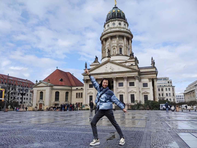 區嘉雯趁著宣傳空檔參觀柏林音樂廳