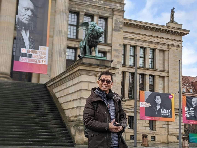 袁富華趁著宣傳空檔參觀柏林音樂廳