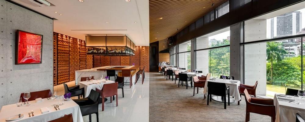 誠品行旅內的In Between之間餐廳,坐擁整片松菸綠地。