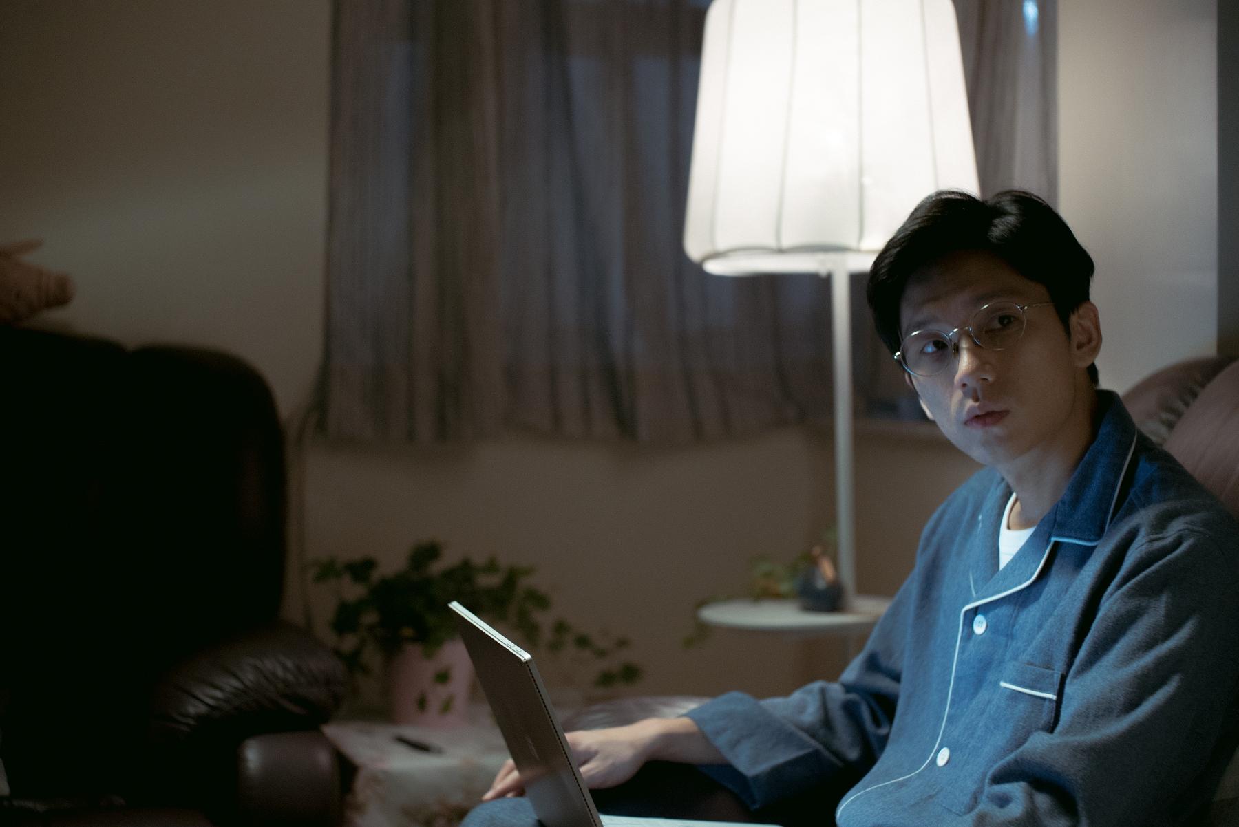 盧鎮業詮釋袁富華強勢的兒子,強勢問鼎香港電影金像獎最佳男配角獎