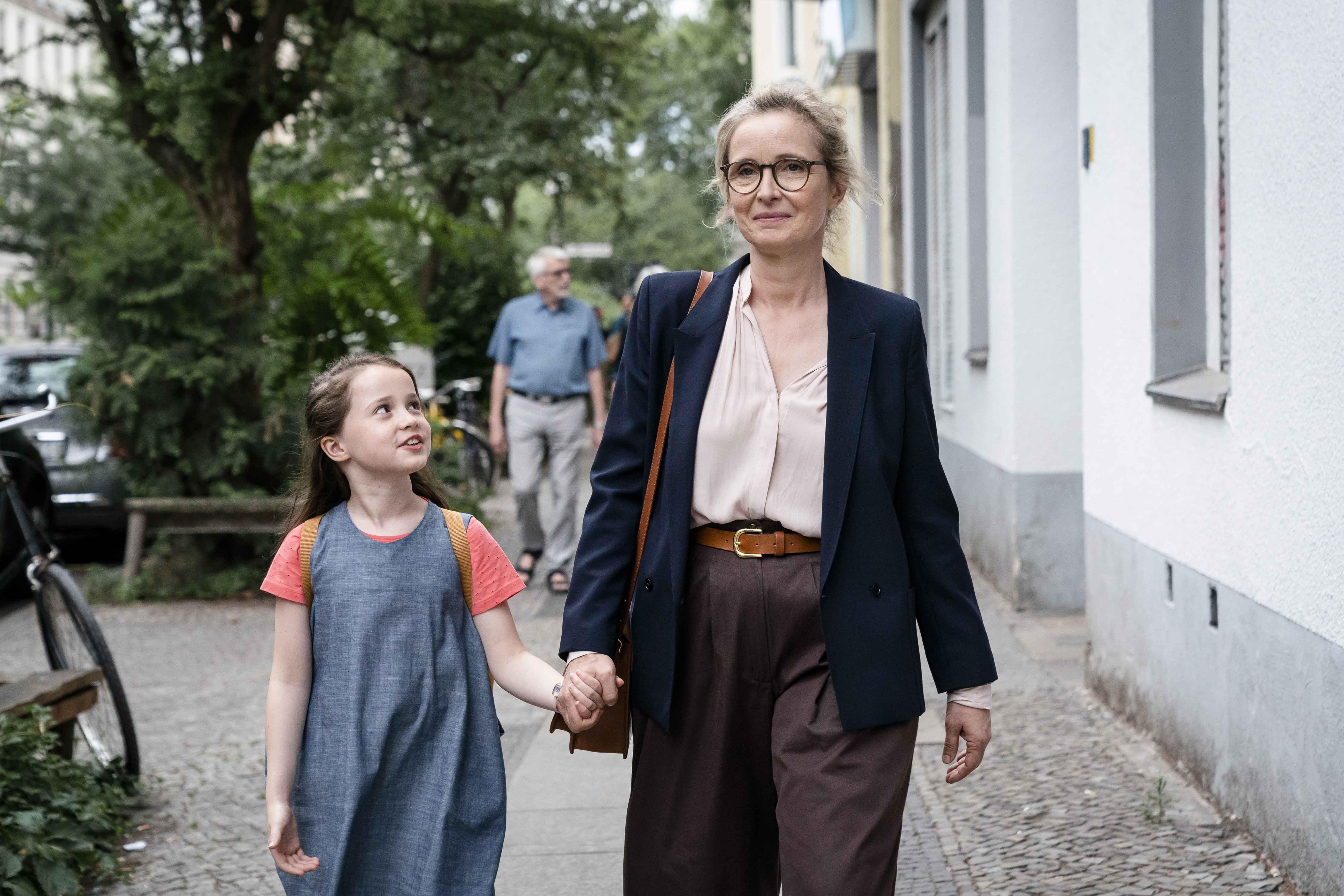 茱莉蝶兒表示,她在二十五年前拍攝《白色情迷》時,曾經和波蘭名導奇士勞斯基就《十誡》第一集的劇本進行討論,啟發了她對這個故事的構想