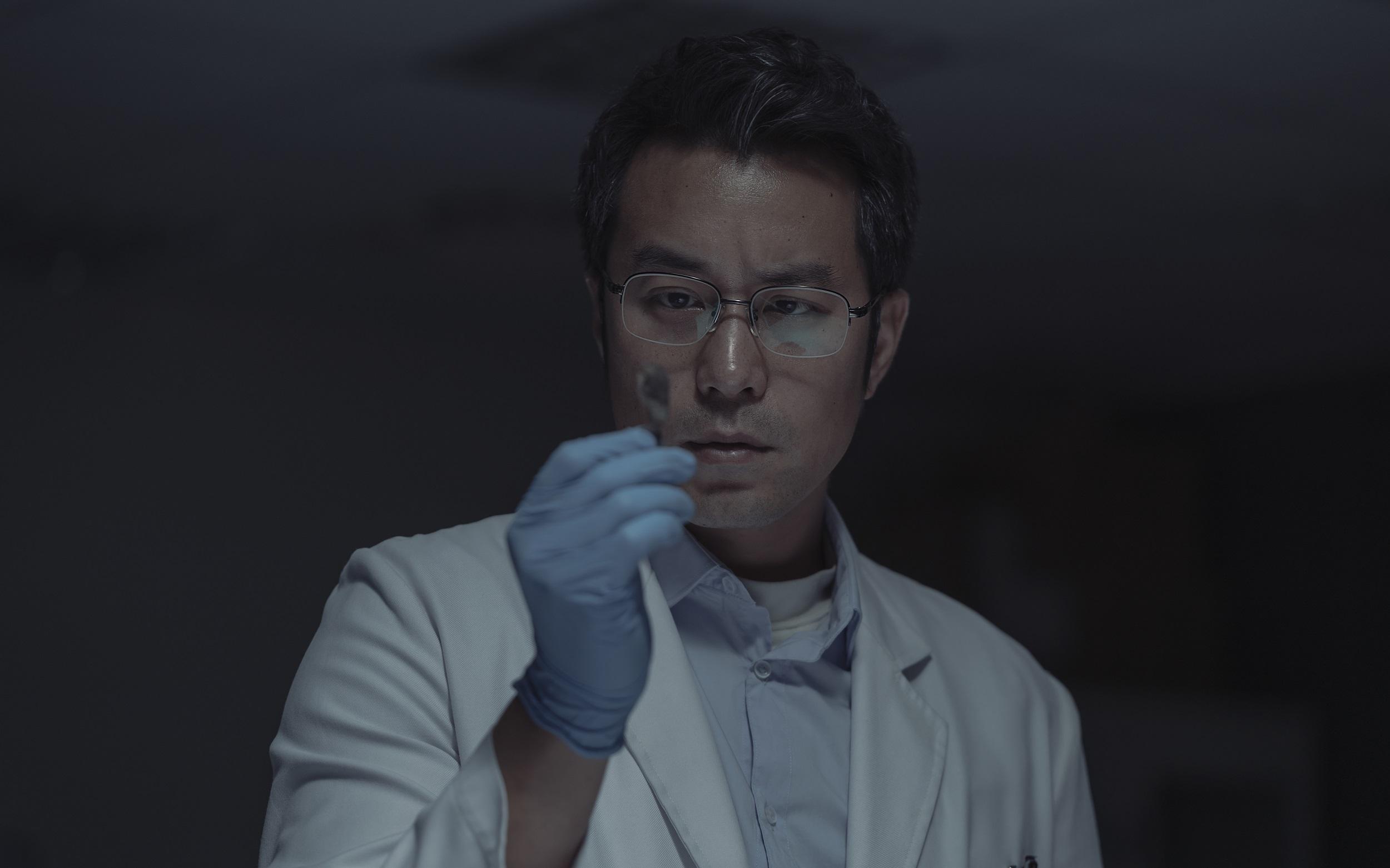 張孝全在Netflix獨家華語影集《誰是被害者》挑戰演出患有亞斯伯格症的鑑識官