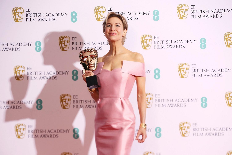 芮妮齊薇格再下一城,榮登英國奧斯卡影后寶座