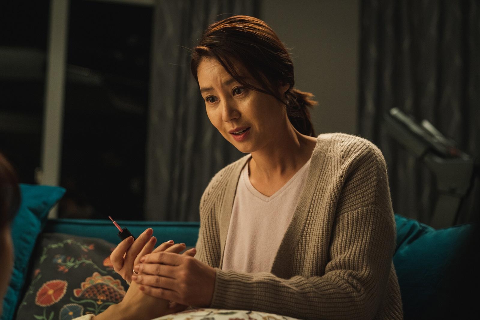 金成鈴飾演朴信惠母親