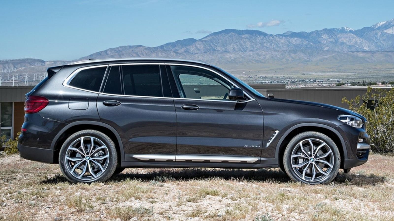 圖/2020 BMW X3 xDrive20i,完美結合粗獷的越野性格與動感的運動外觀,車側以動感折線劃過前後車門,勾勒出簡潔俐落的流暢線條。