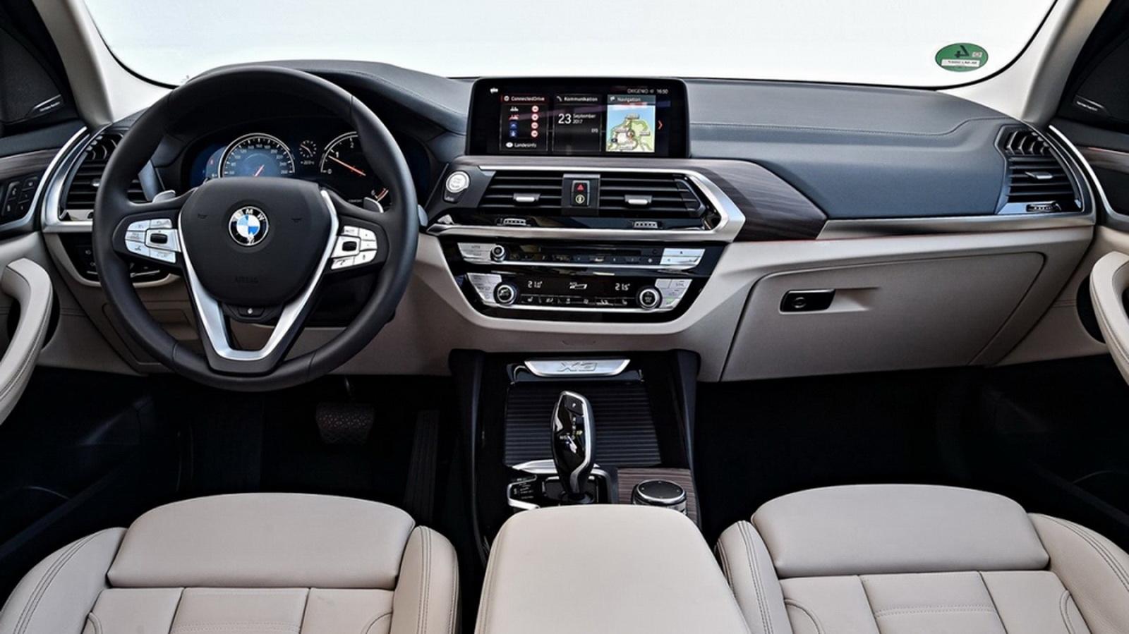 圖/2020 BMW X3 xDrive20i坐落於座艙中央的六角型中控台,賦予座艙截然不同的現代豪華面貌。