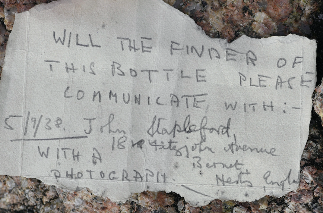 The message was signed by a John Stapleford and dated 5 September, 1938. (SWNS)