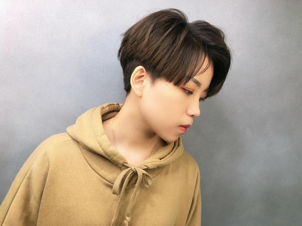 高層次的短髮,搭配不過短的瀏海,只要簡單做出頭頂澎鬆度,髮型就能很有型!