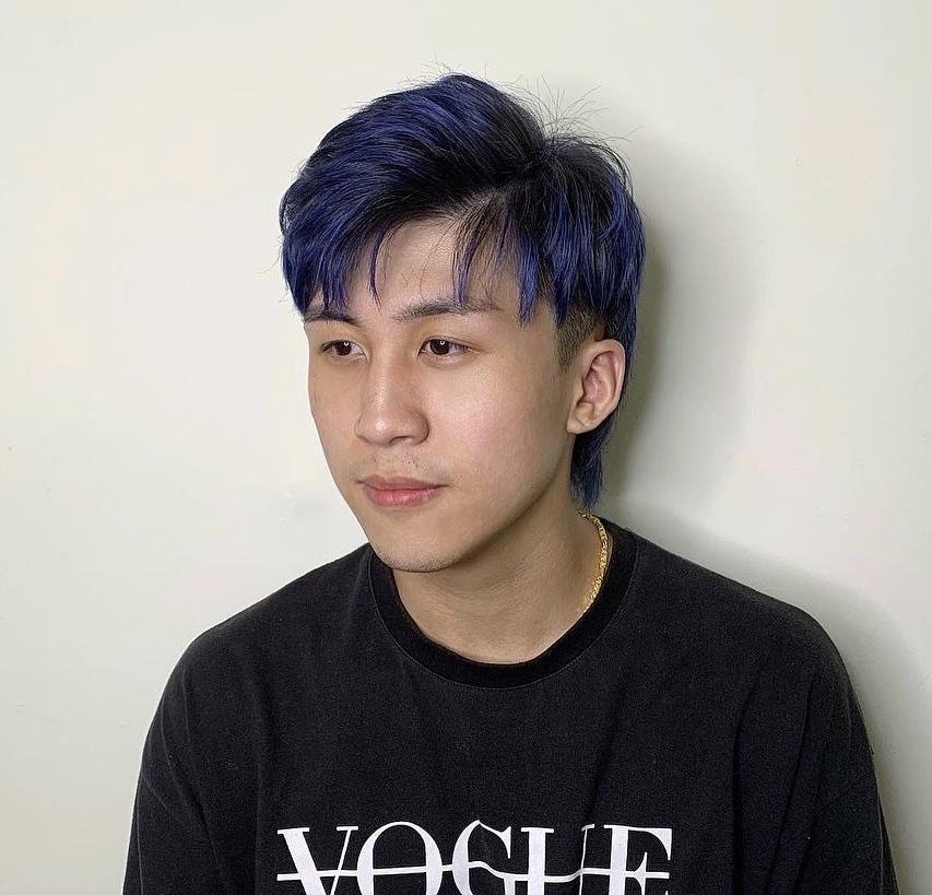 經典藍髮色X逗號瀏海X小狼尾Mullet髮型,同時掌握韓式與美式流行