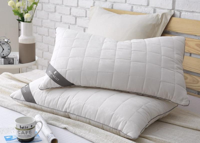▲夢特嬌MONTAGUT抗菌防蟎枕2入,特價799。遠離螨蟲困擾,從換一顆抗菌枕開始。(圖片來源:Yahoo購物中心)