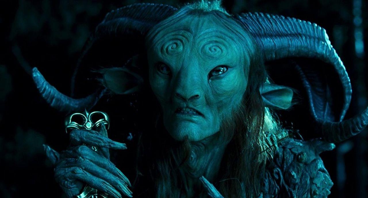 羊男的迷宮_新聞稿_02_金獎導演「御用怪獸」道格瓊斯一人分飾二角,扛20公斤「羊男裝」出演
