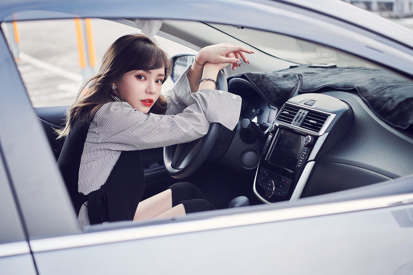 ▲除了自己的通勤需求,陳斯亞買車也為了家人,所以也很在意車輛的舒適功能和安全配備。