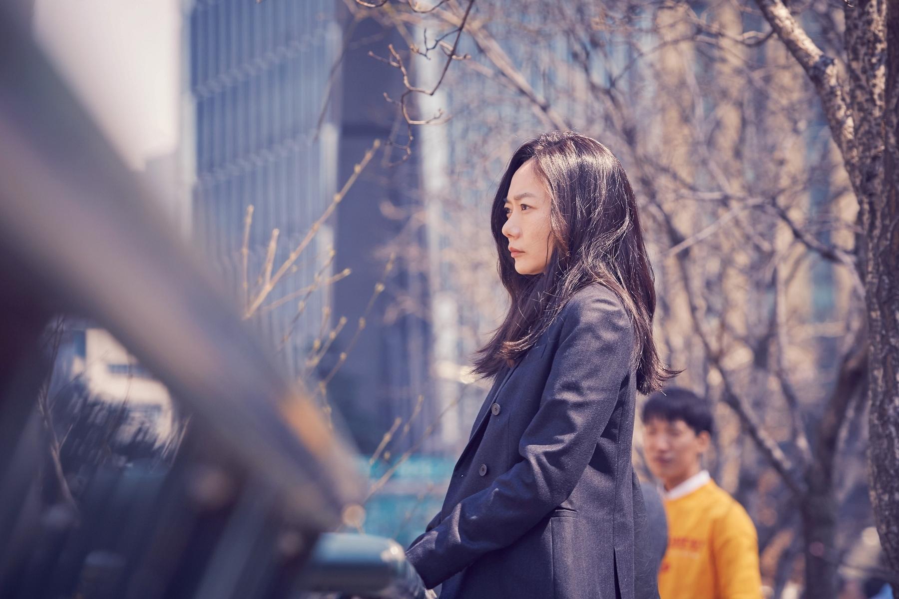 裴斗娜這回再新片全程秀法文,完美化身網戀負心女