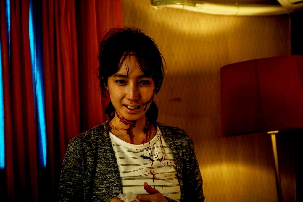 《76号恐怖書店之恐懼罐頭》由「小薰」黃瀞怡擔綱主演的《租屋》打頭陣,劇情描述獨居女子入住凶宅後,發生一連串不可思議的靈異遭遇
