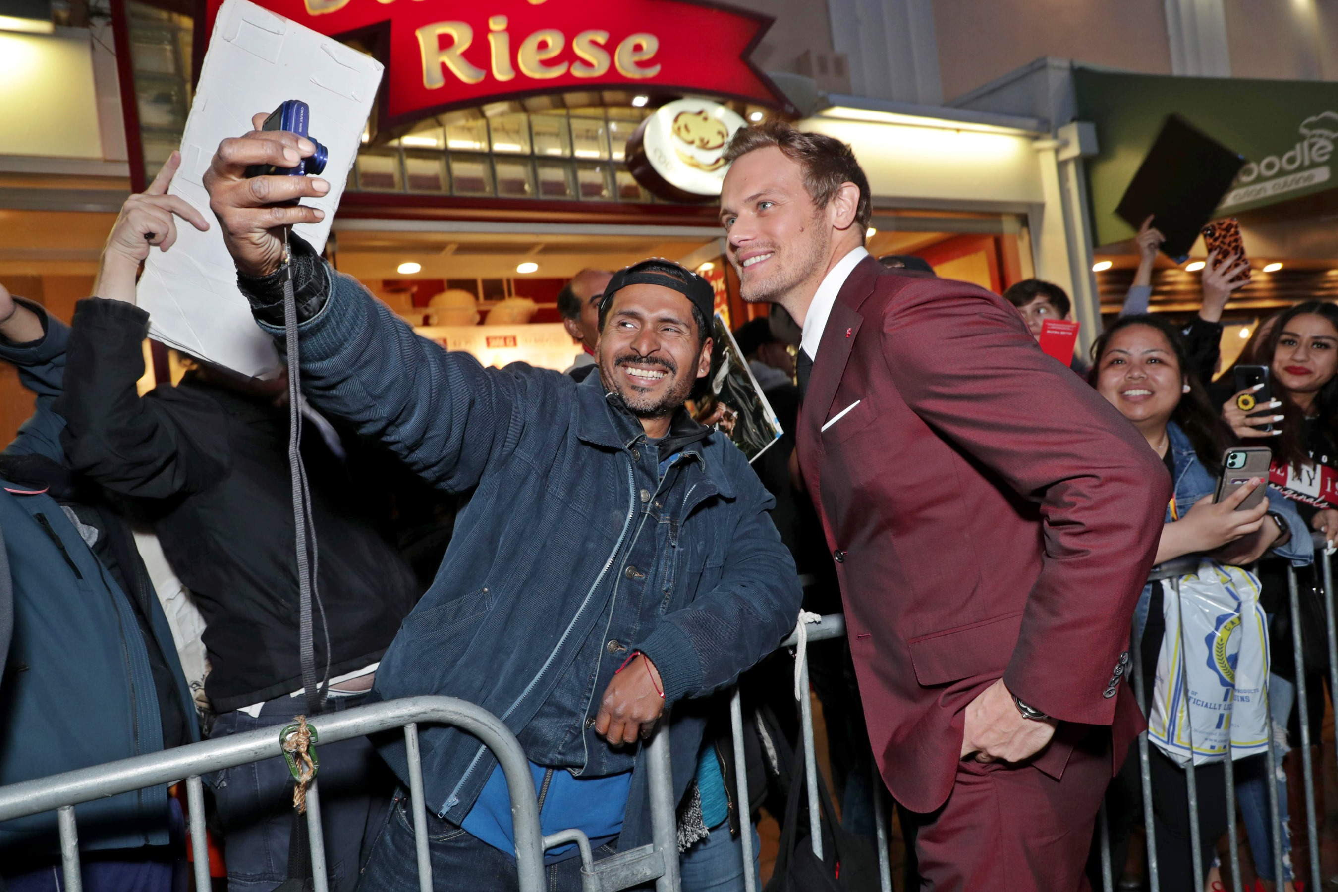 好萊塢延檔潮襲來!《血衛》首映夜成為近期最盛大紅毯