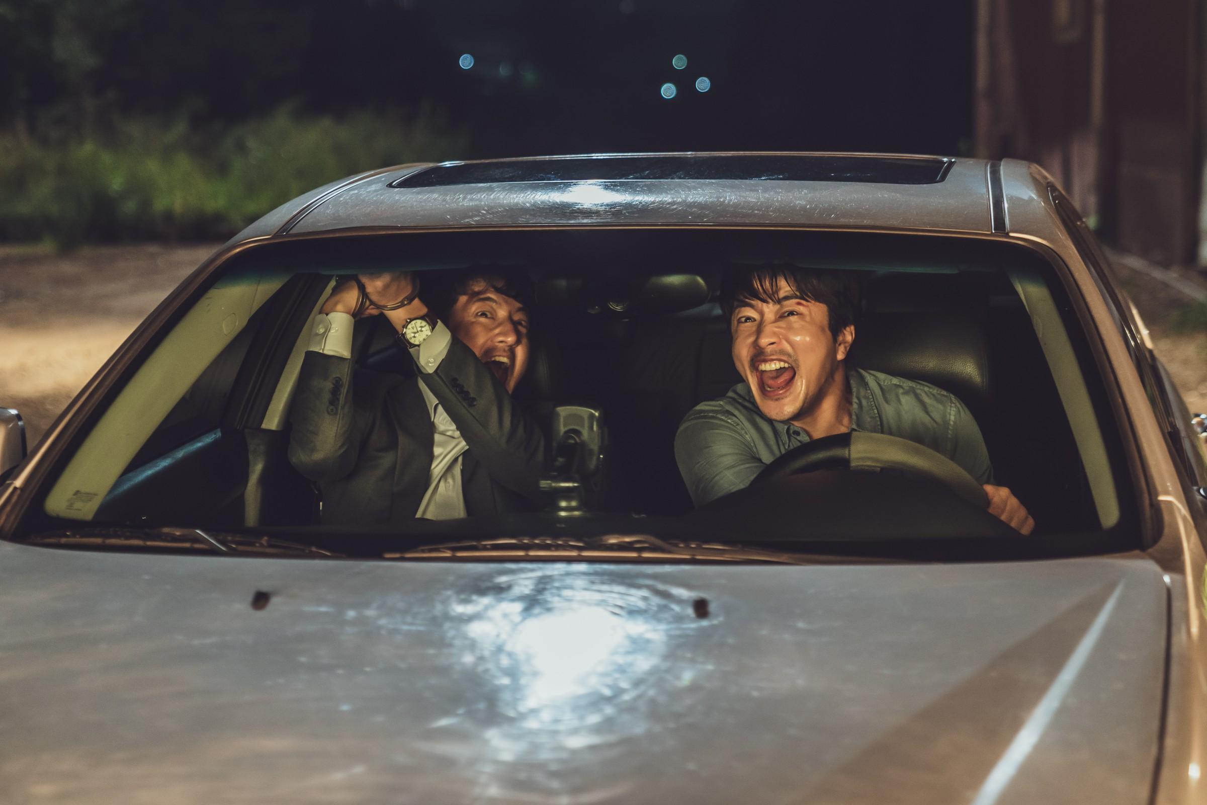 《大畫特務》鄭俊鎬車內即興「基」情戲害權相佑差點NG