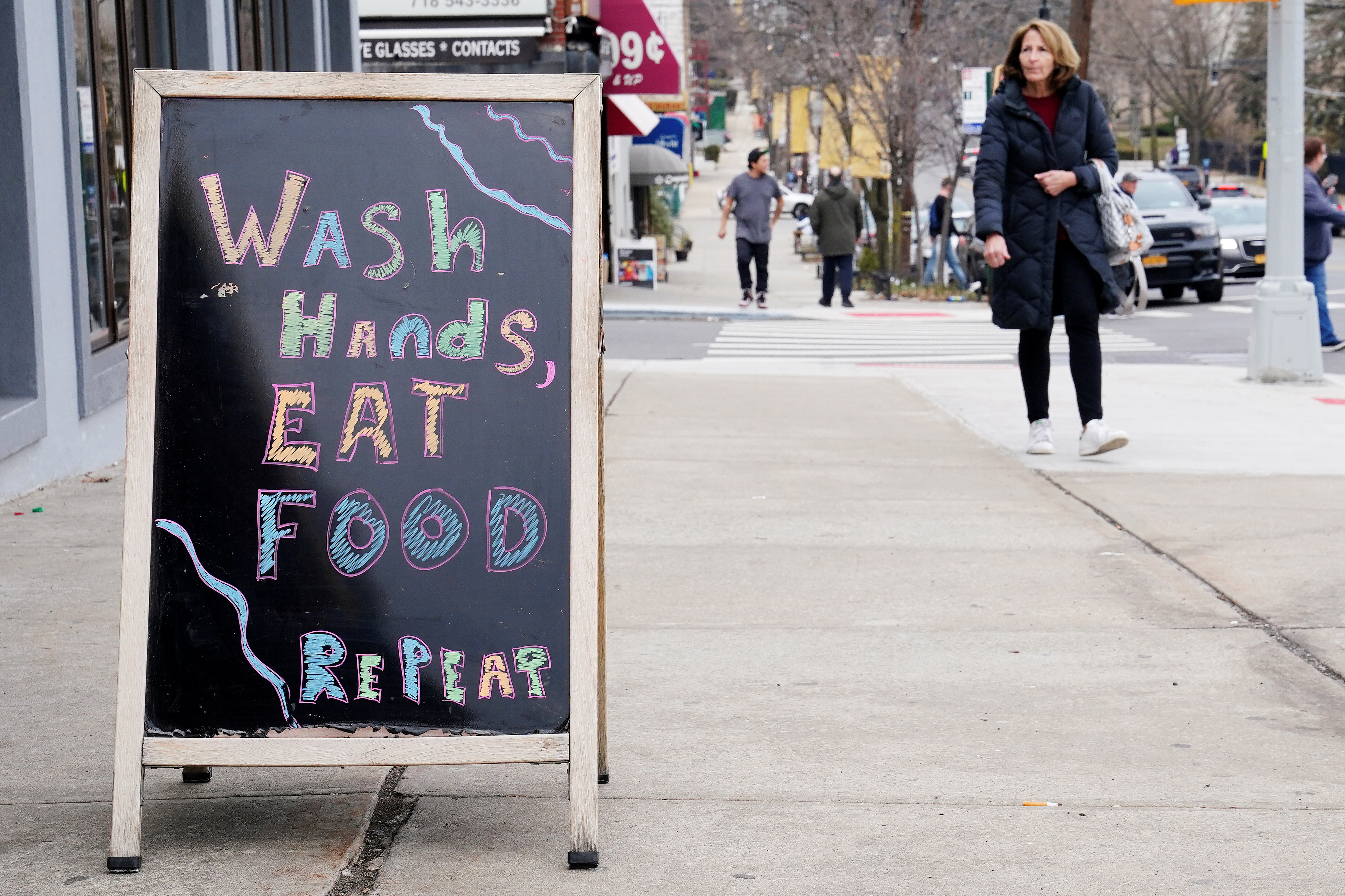 A restaurant displays a sign around the corner from SAR High School, which has been shut down due to Coronavirus, in the Bronx borough of New York City, New York on March 3, 2020. (Carlo Allegri/Reuters)