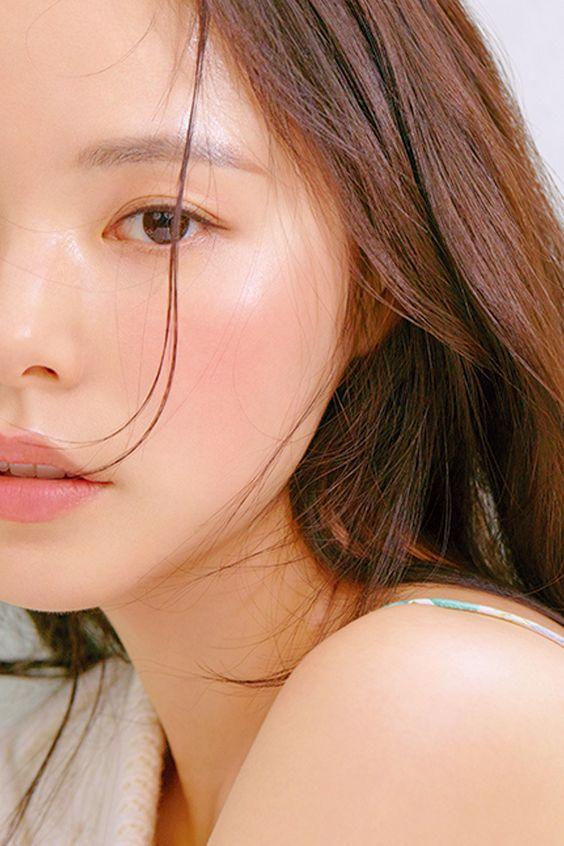化妝水帶來的保濕感只是暫時的,還是得靠乳液才能持久。