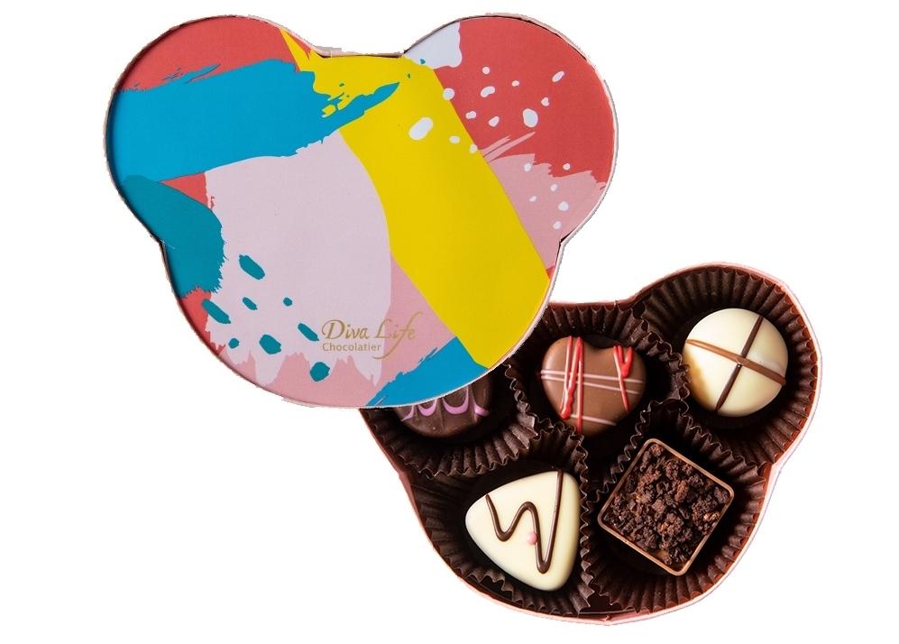 Diva Life的巧克力都是100%純天然可可脂製成,不添加植物油、也不含反式脂肪,並添加多種天然食材製作的夾心內餡
