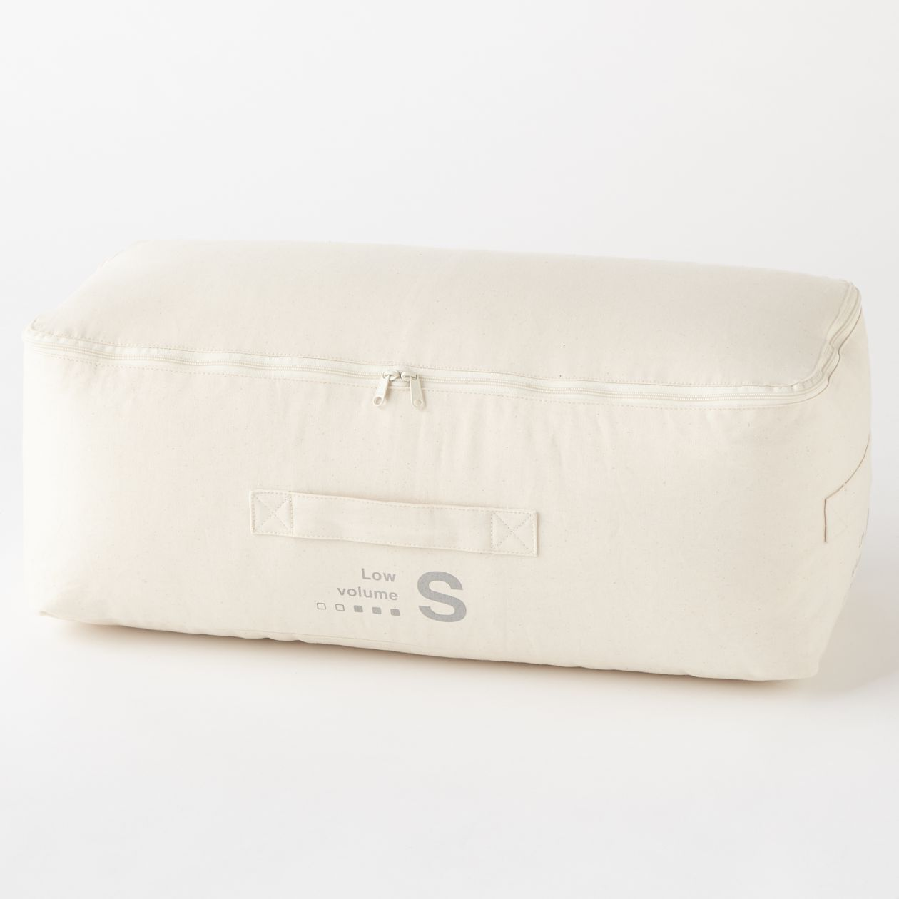 羽毛被的包裝收納袋可長年使用,且皆以棉素材製作,不使用化學纖維材料,減少對地球環境的負擔