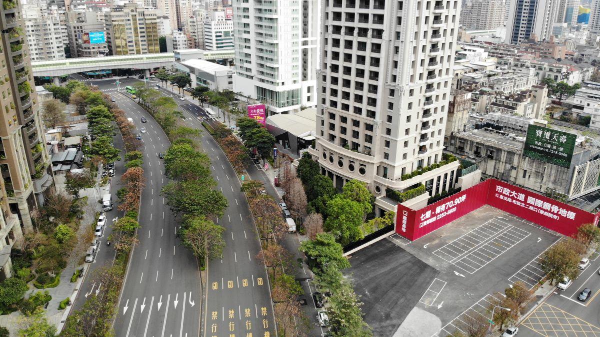 ▲豪宅建商仍勇於推案,只是單戶坪數縮小,寶輝建設在市政路的推案規劃70~90坪。