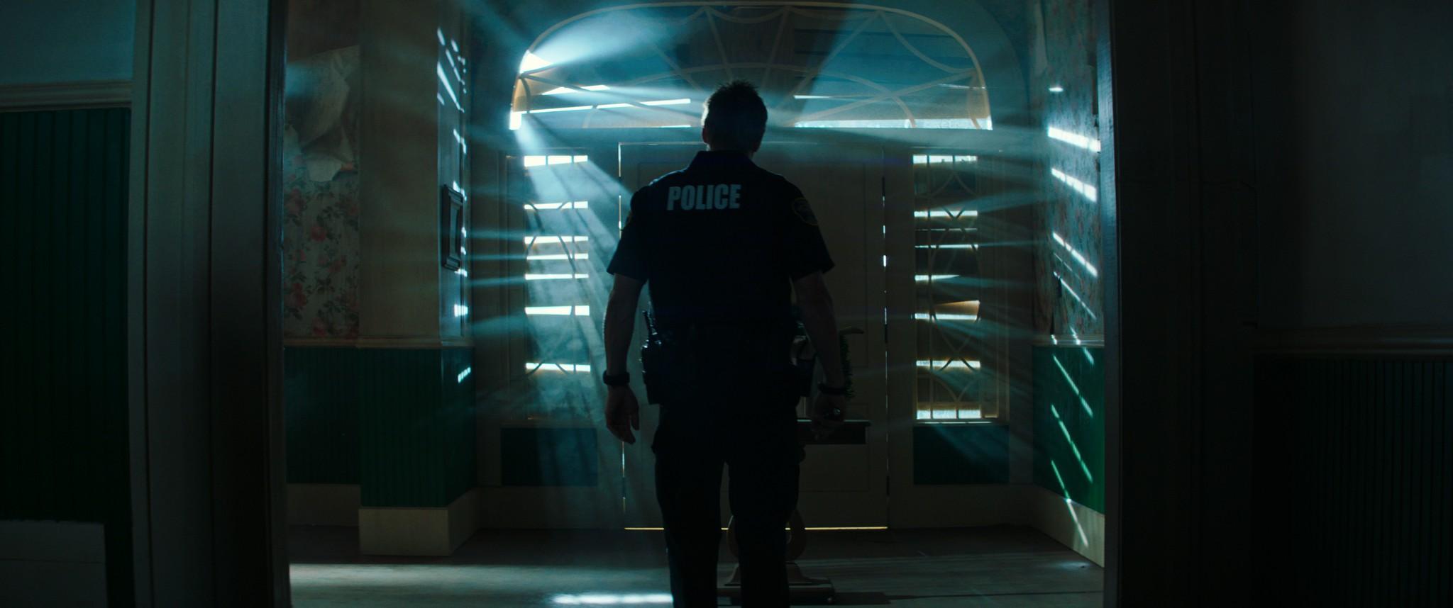 《絕命直播》動作戲二樓跳窗來真的,亞倫艾克哈特笑言:「攝影師才是真英雄!」