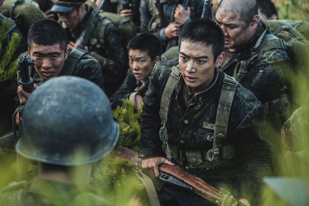 崔岷豪劇中飾演學生兵隊長