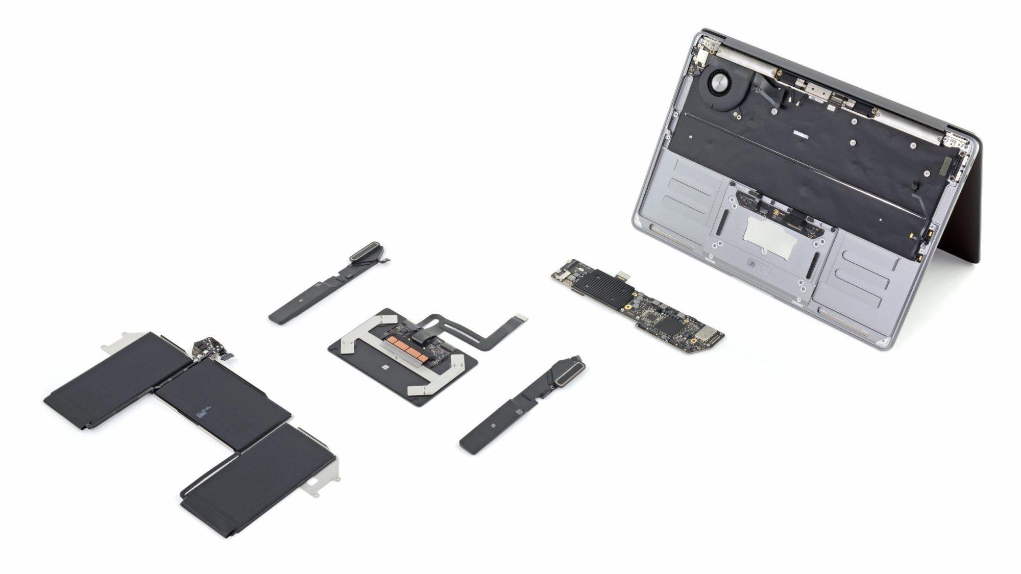 新MacBook Air、iFixitがさっそく分解。キーボード変更による厚み増加 ...