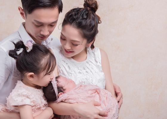 ▲楊千霈轉換「妻子、媳婦、媽咪」3種角色開關人生。