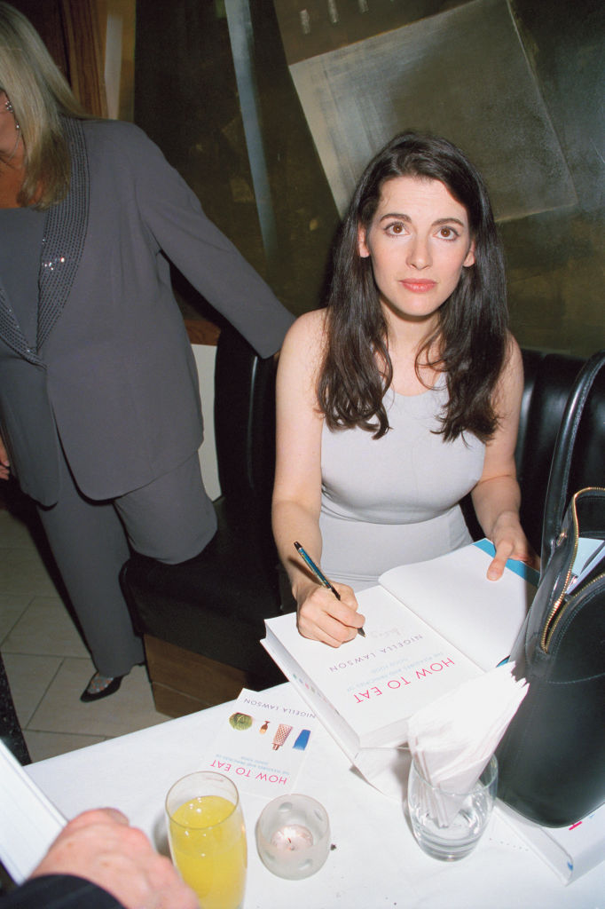 A young looking Nigella Lawson signing copies of her her first cook book, 'How To Eat' in 1998. (Getty Images)