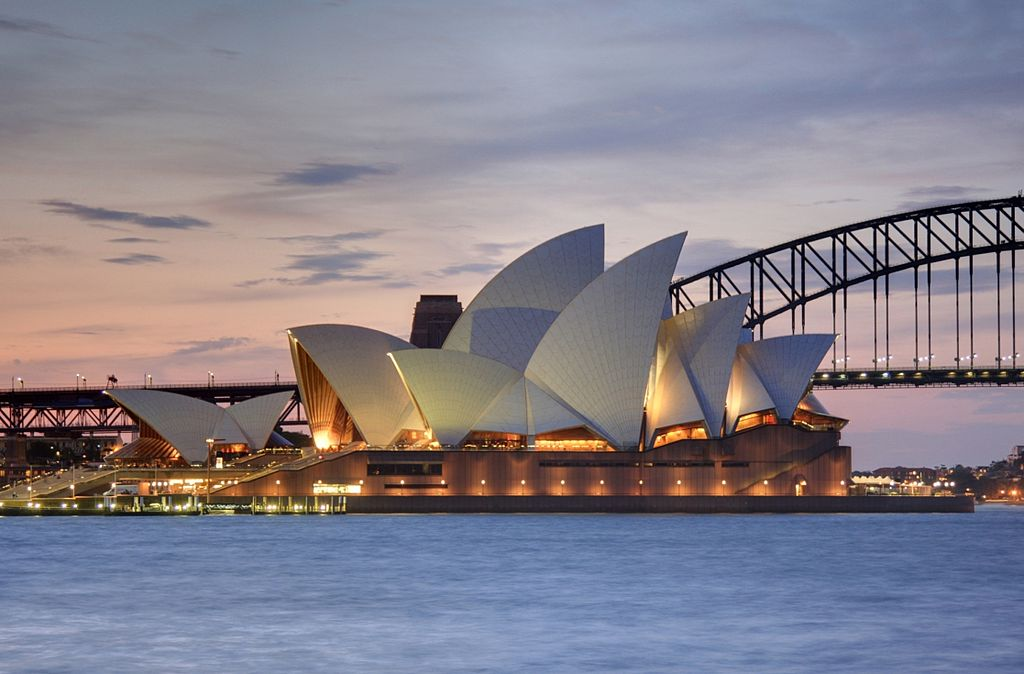 雪梨歌劇院 (Photo by Adam.J.W.C., License: CC BY-SA 2.5, Wikimedia Commons提供)