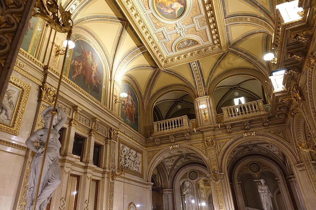 維也納國家歌劇院 (Photo by Joseolgon, License: CC BY-SA 4.0, Wikimedia Commons提供)