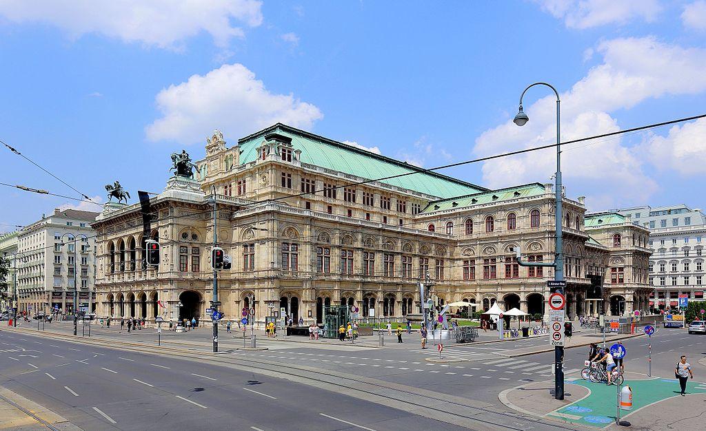 維也納國家歌劇院 (Photo by Bwag, License: CC BY-SA 4.0, Wikimedia Commons提供)