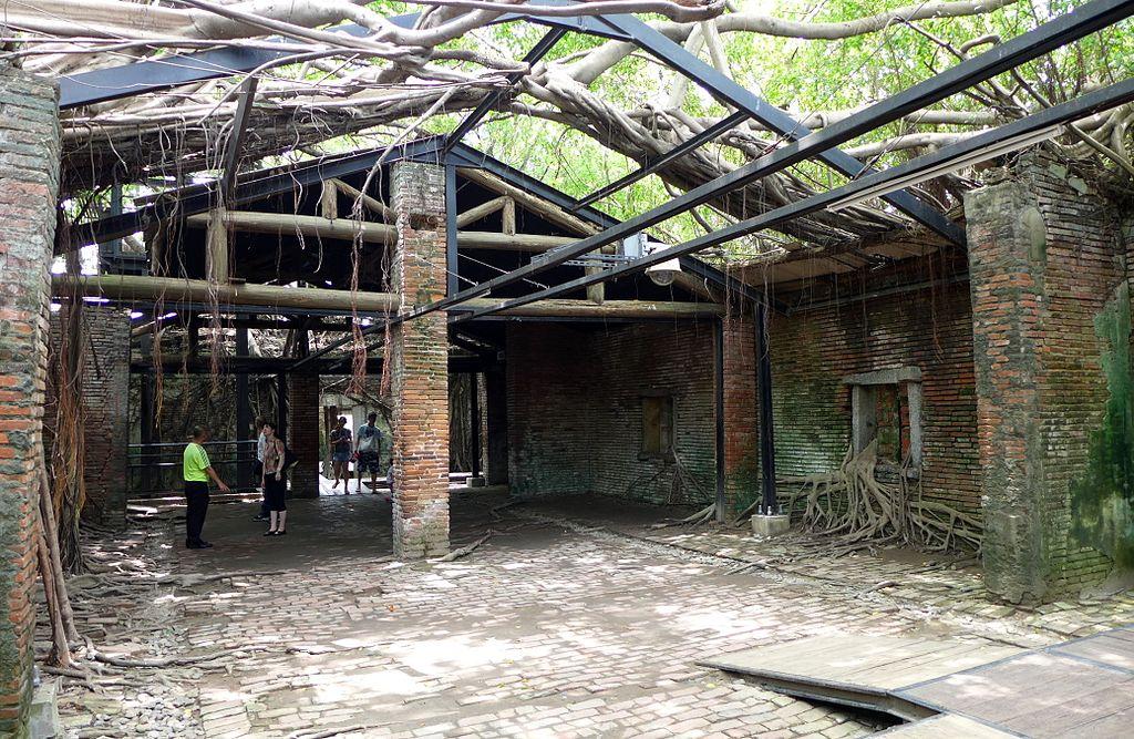 台南安平樹屋 (Photo by Wikipedia user -Wpcpey, License: CC BY-SA 4.0, Wikimedia Commons提供)