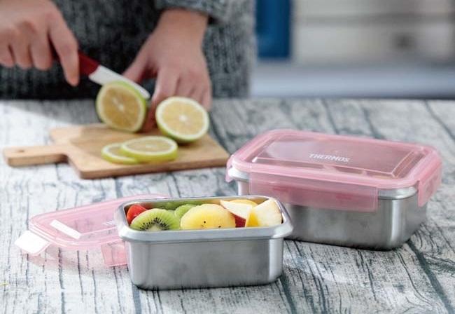 ▲可蒸、可封存的保鮮盒也可當便當盒,讓料理一氣呵成,減少容器耗用。原價898,現在只要699,還加贈折疊叉子。(圖片來源:Yahoo購物中心)
